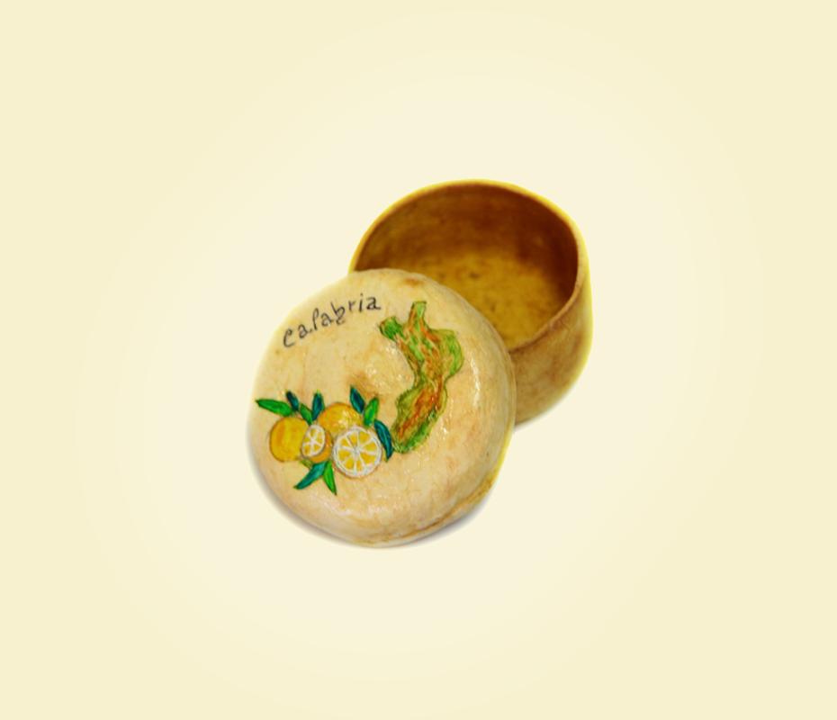 Cofanetto in buccia di bergamotto decorato a mano